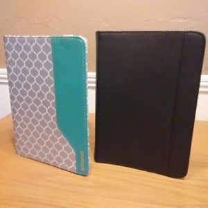 "2 Universal Tablet cases for 7"" tablets"